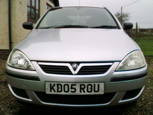 2005 very tidy low mileage corsa 1.2 life 3 door hatchback silver For Sale (picture 5 of 6)