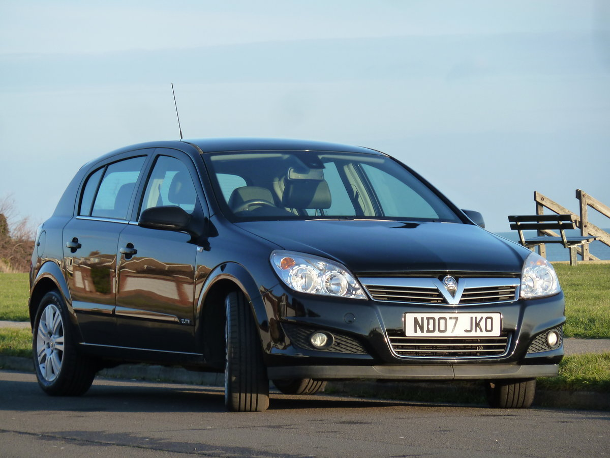 2007 ASTRA 1.6 16v ELITE 5DR BLACK SAPPHIRE LOW MILEAGE S/HISTORY For Sale (picture 1 of 6)