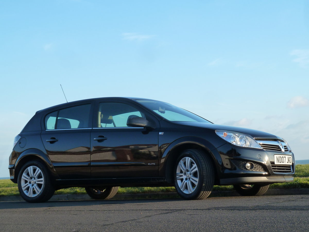 2007 ASTRA 1.6 16v ELITE 5DR BLACK SAPPHIRE LOW MILEAGE S/HISTORY For Sale (picture 2 of 6)