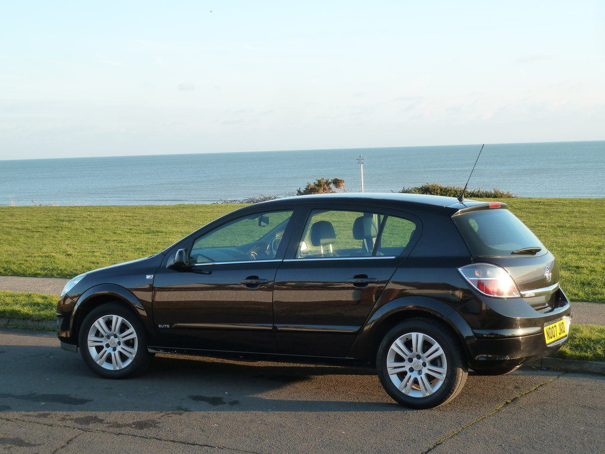2007 ASTRA 1.6 16v ELITE 5DR BLACK SAPPHIRE LOW MILEAGE S/HISTORY For Sale (picture 5 of 6)