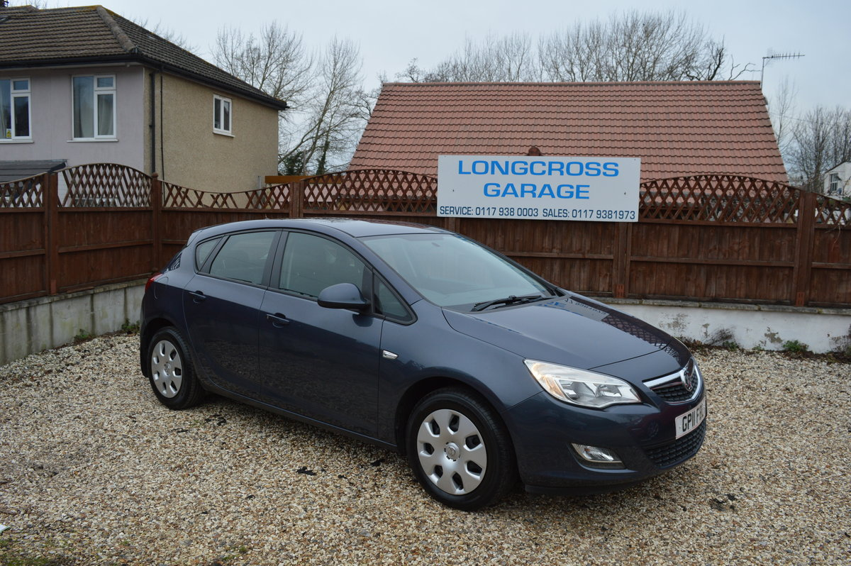 2011 Vauxhall Astra 1.4 i VVT 16v Exclusiv PETROL MANUAL For Sale (picture 1 of 6)