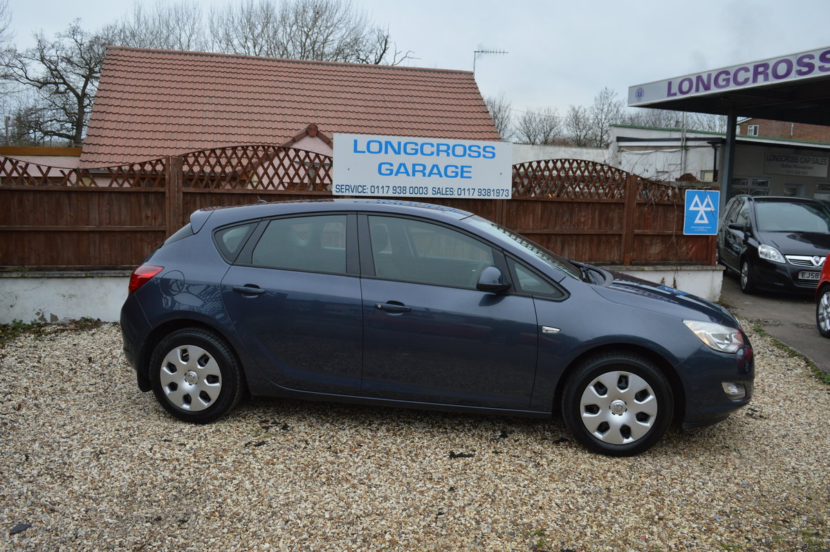 2011 Vauxhall Astra 1.4 i VVT 16v Exclusiv PETROL MANUAL For Sale (picture 3 of 6)