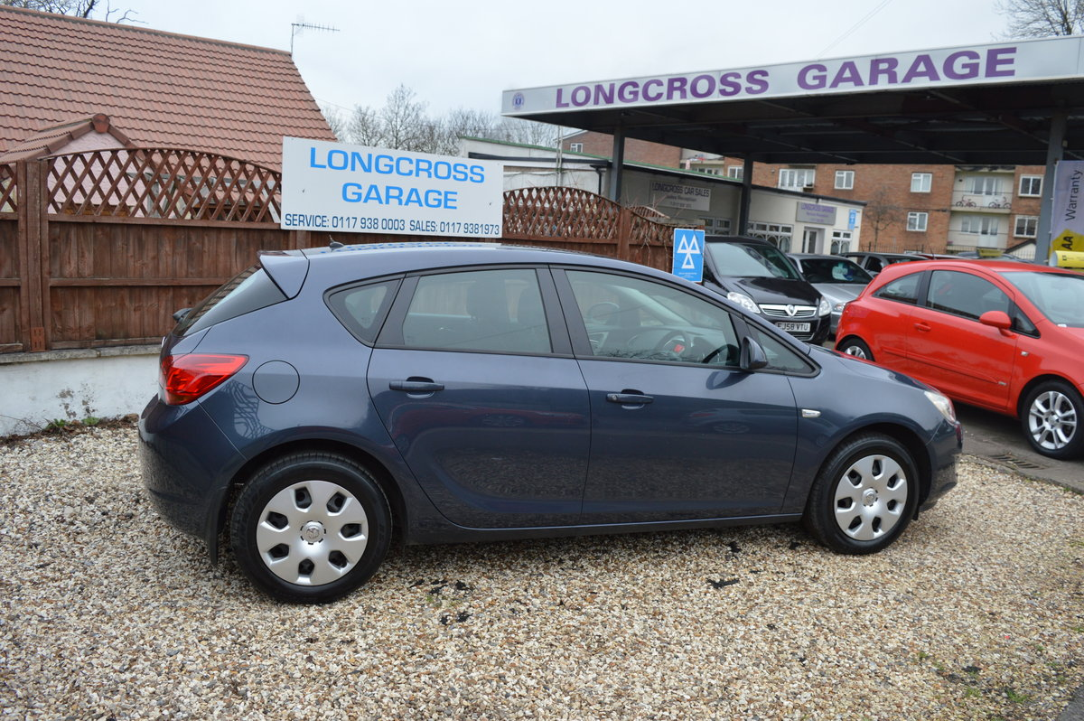 2011 Vauxhall Astra 1.4 i VVT 16v Exclusiv PETROL MANUAL For Sale (picture 5 of 6)