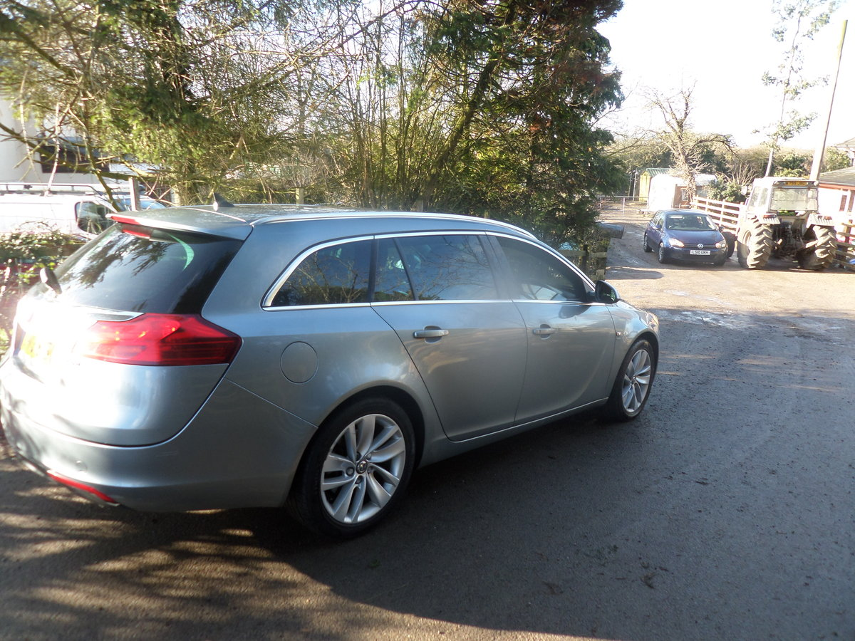 2013 13 PLATE DIESEL 6 SPEED MANUAL ESTATE CAR GOS WELL 209,000K  For Sale (picture 1 of 6)
