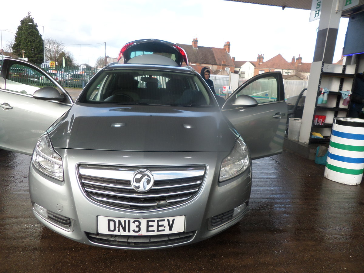 2013 13 PLATE DIESEL 6 SPEED MANUAL ESTATE CAR GOS WELL 209,000K  For Sale (picture 2 of 6)