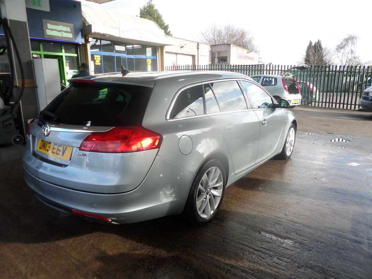 2013 13 PLATE DIESEL 6 SPEED MANUAL ESTATE CAR GOS WELL 209,000K  For Sale (picture 6 of 6)