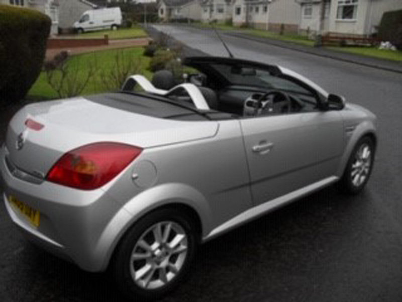 2005 Vauxhall Tigra Sport For Sale by Auction 23rd Feb SOLD by Auction (picture 3 of 6)