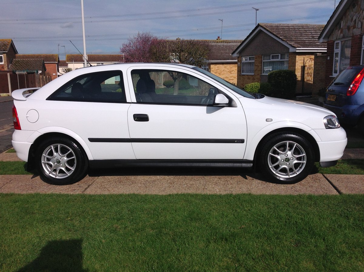 Astra Sport 1998 1.6 Top of the Range - White For Sale (picture 2 of 6)