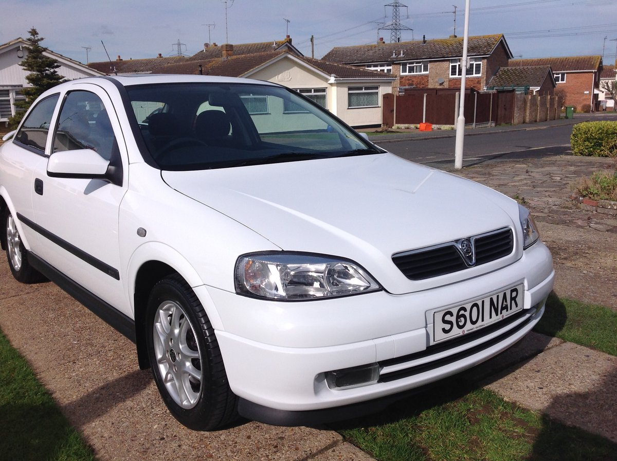 Astra Sport 1998 1.6 Top of the Range - White For Sale (picture 4 of 6)