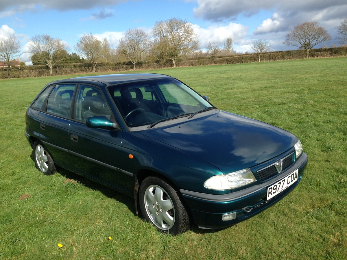 1997 Vauxhall Astra 1.6 16V Manual 17000 Miles From New For Sale (picture 1 of 6)