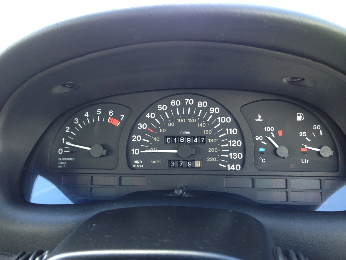 1997 Vauxhall Astra 1.6 16V Manual 17000 Miles From New For Sale (picture 2 of 6)