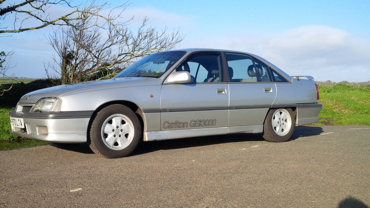 1989 Vauxhall Carlton GSi 3.0 12v For Sale (picture 5 of 6)