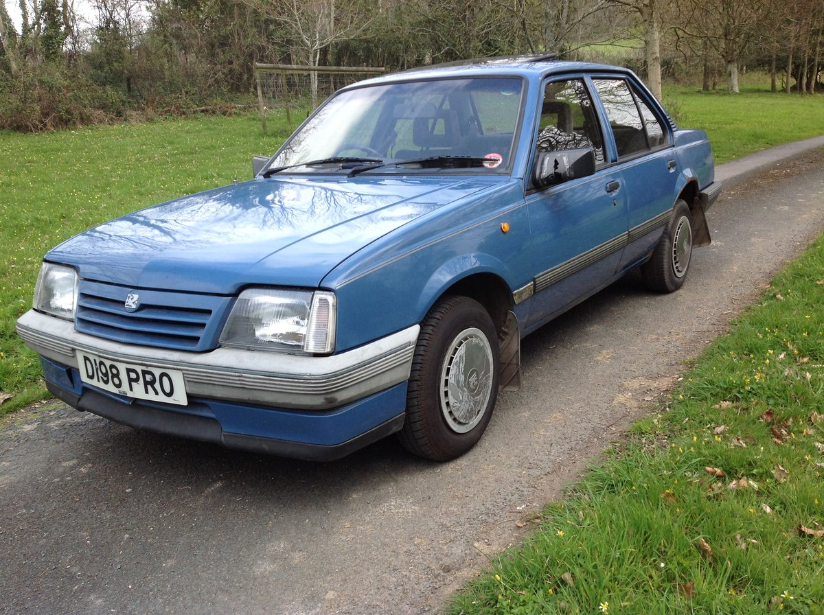 Vauxhall Cavalier 1600 GL 1987 SOLD (picture 1 of 6)