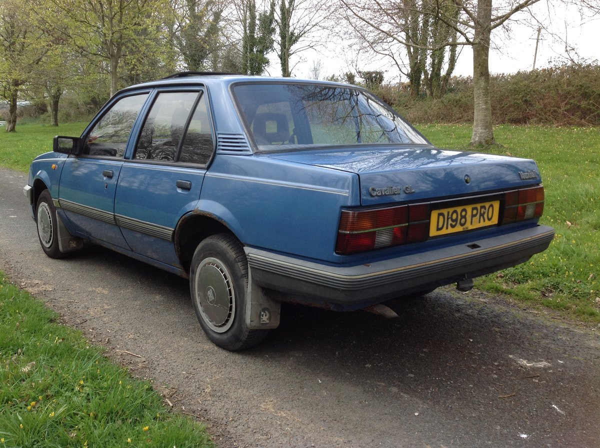 Vauxhall Cavalier 1600 GL 1987 SOLD (picture 2 of 6)