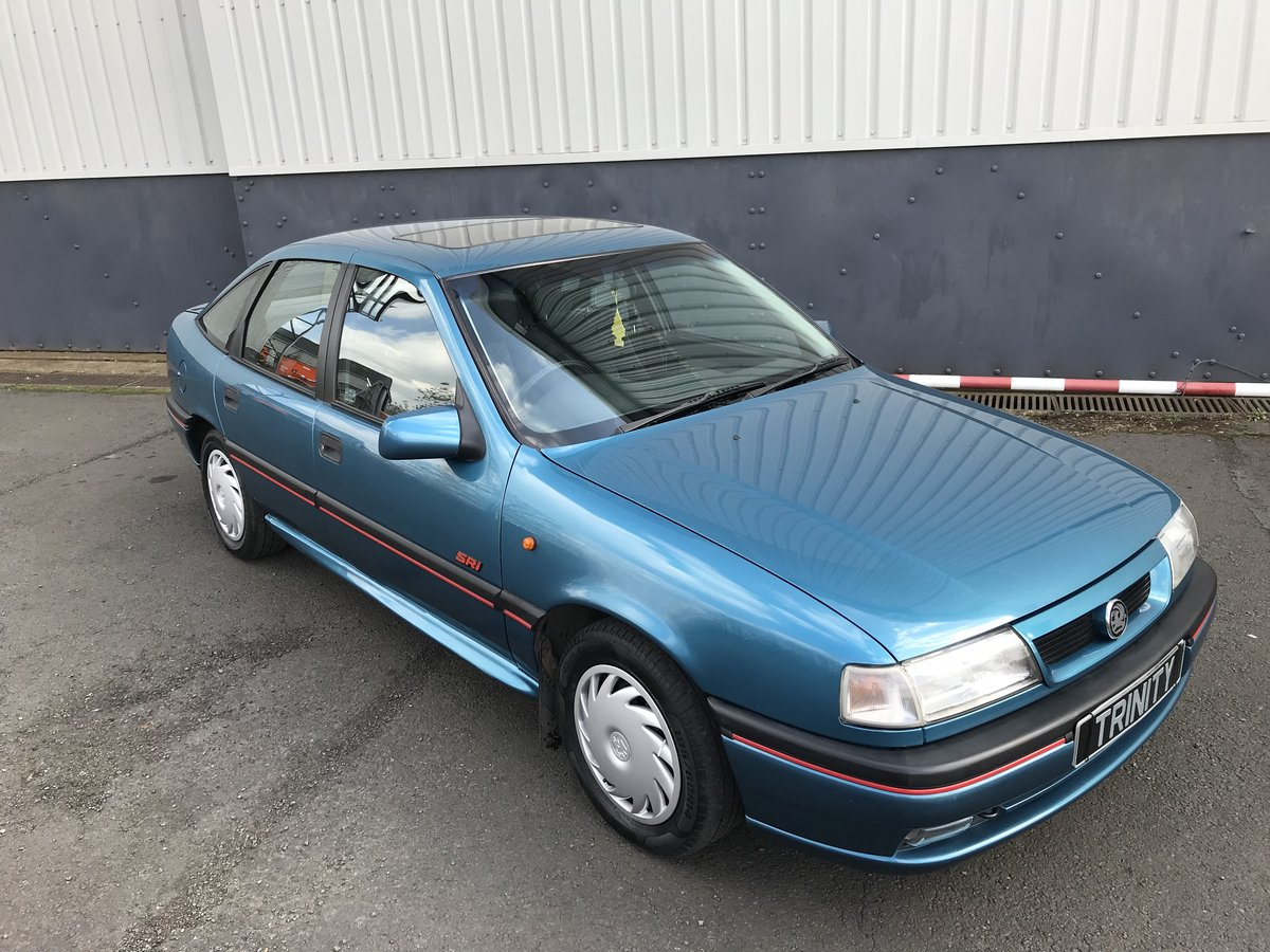 1993 Vauxhall Cavalier SRi For Sale (picture 2 of 5)