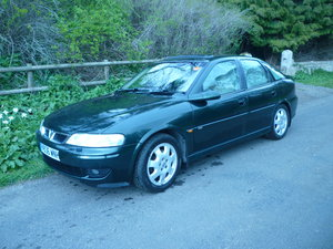 2001 Vectra CDX 2.6 v6 Manual Hatchback