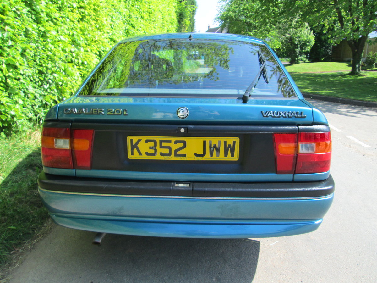 1992 vauxhall cavalier GLS auto rare invesment car For Sale (picture 2 of 6)