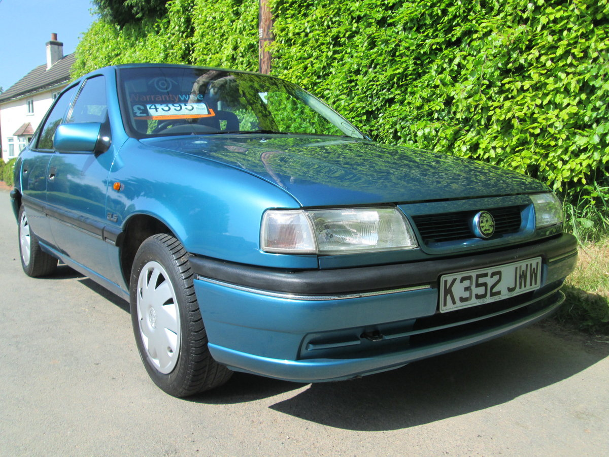 1992 vauxhall cavalier GLS auto rare invesment car For Sale (picture 3 of 6)