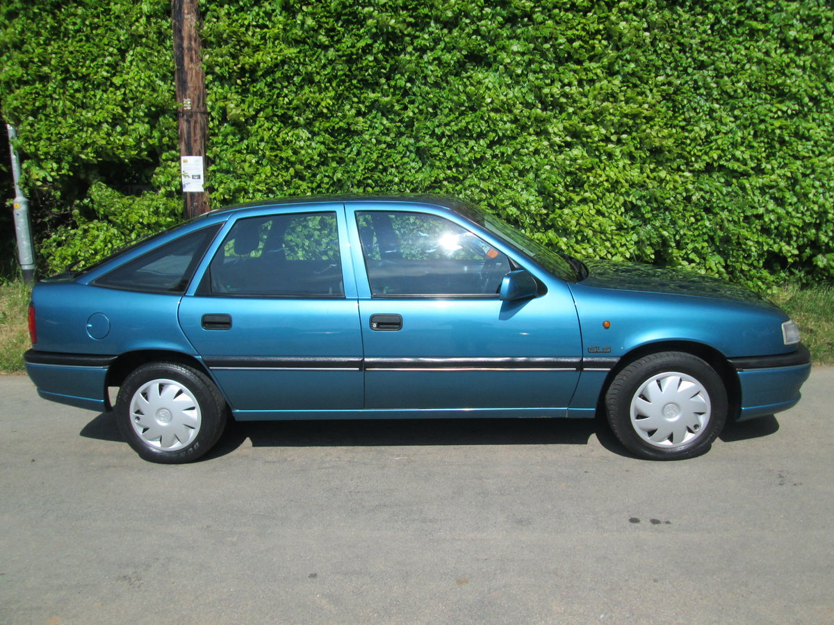 1992 vauxhall cavalier GLS auto rare invesment car For Sale (picture 6 of 6)