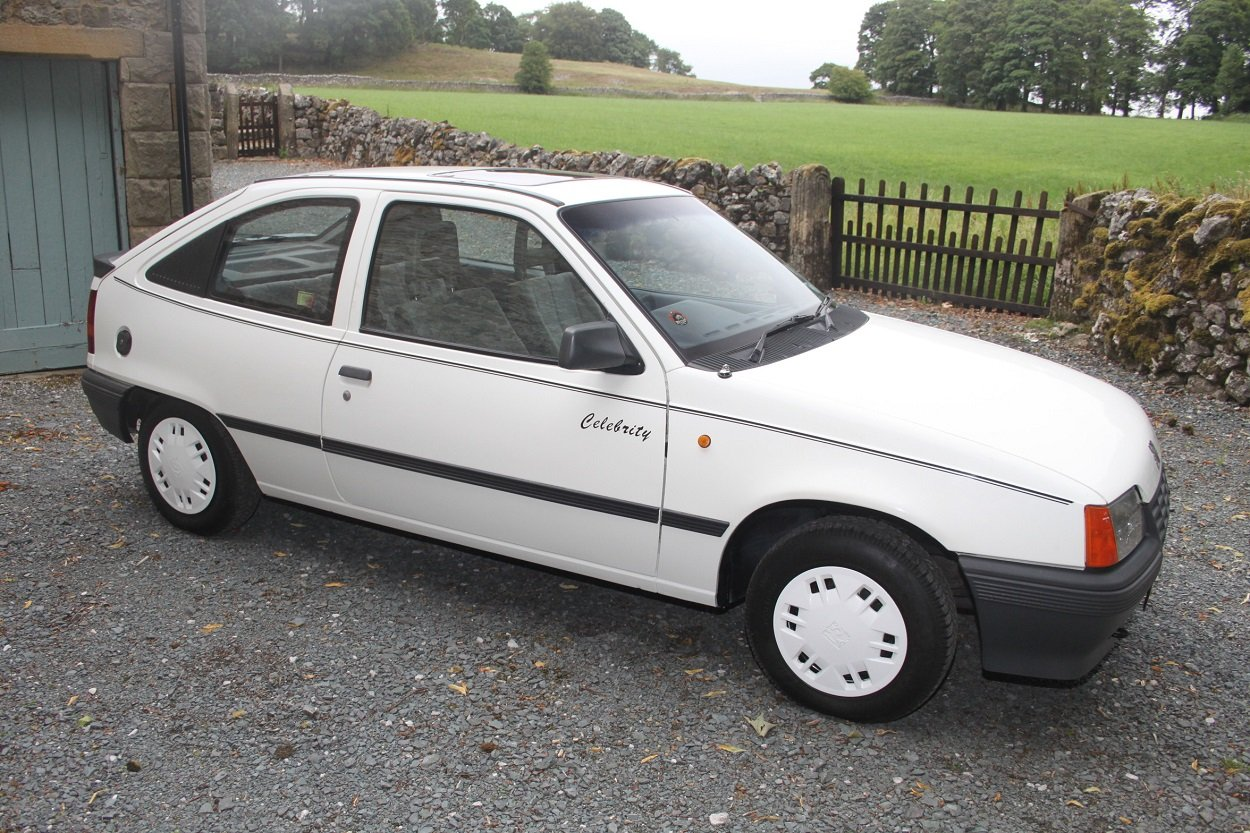1987 Vauxhall Astra Celebrity For Sale (picture 1 of 6)