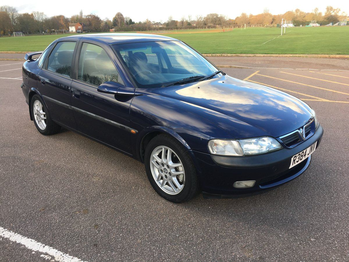 1998 Stunning Vauxhall Vectra SRI For Sale (picture 1 of 6)