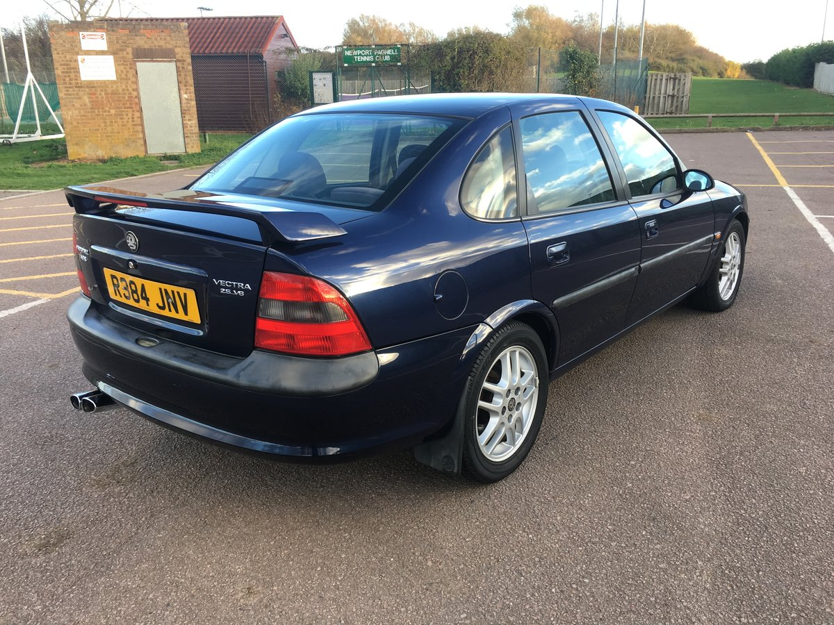 1998 Stunning Vauxhall Vectra SRI For Sale (picture 2 of 6)