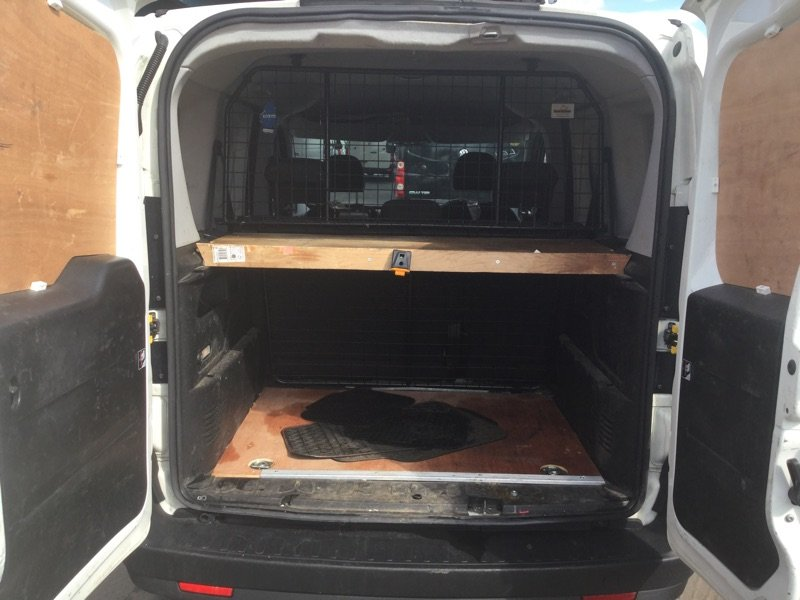 2014/64 Vauxhall Combo 1.3CDTi Crewvan 5 seat 2300 59250 mls For Sale (picture 3 of 6)