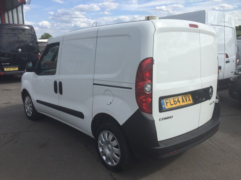 2014/64 Vauxhall Combo 1.3CDTi Crewvan 5 seat 2300 59250 mls For Sale (picture 4 of 6)