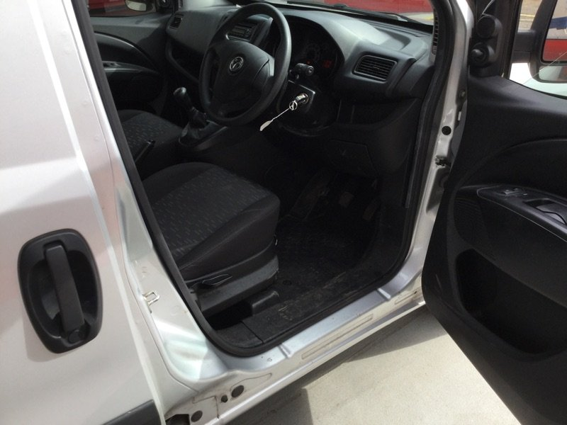 2014/63 Vauxhall Combo 1.3CDTi LWB L2H1 Van 71718 miles FSH For Sale (picture 5 of 6)