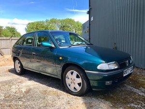1997 Vauxhall Astra Arctic, Ltd Edition. 17,200 miles.