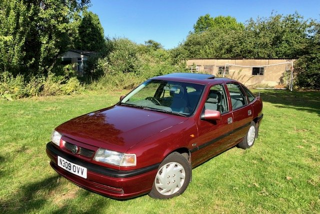 1995 Genuine low miles Vauxhall Cavalier future classic For Sale (picture 2 of 6)