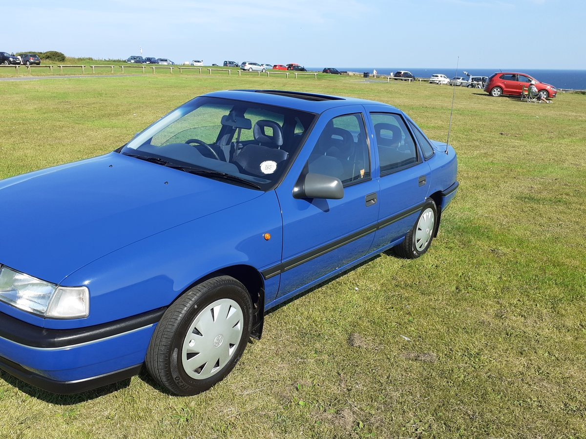 1992 vauxhall cavalier mk3 2.0 gli 13000 miles from new For Sale (picture 2 of 6)