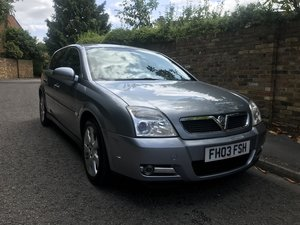 2005 VAUXHALL SIGNUM 3.2 V6 ONLY 15000 MILES FROM NEW  For Sale