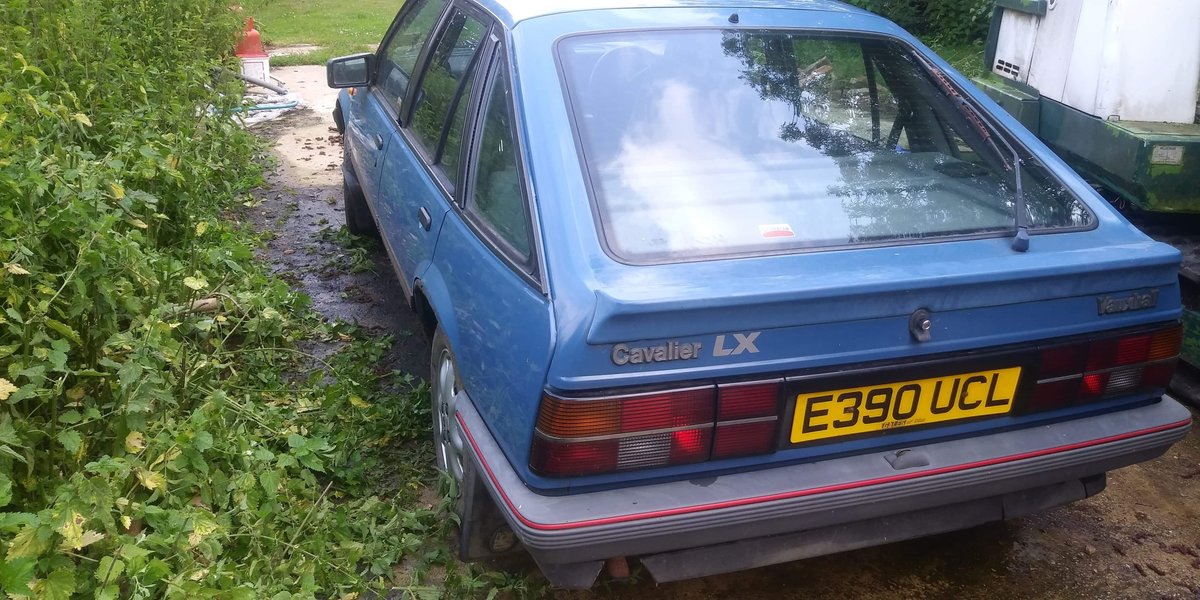 1988 Vauxhall Cavalier Starts and runs well. For Sale (picture 4 of 4)