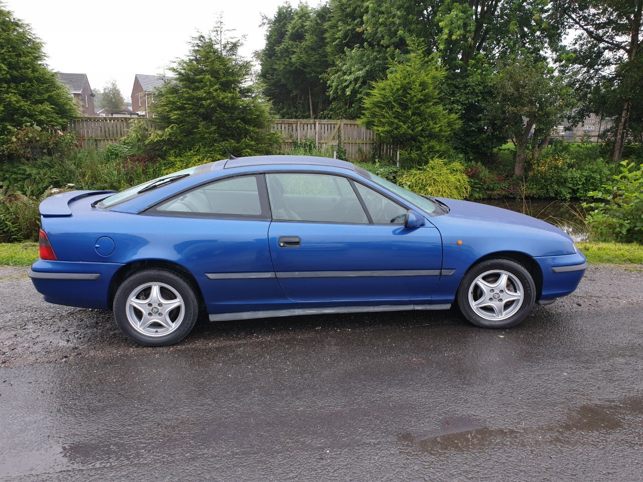 1998 Vauxhall Calibra SE8 in Metallic Blue. For Sale (picture 4 of 6)