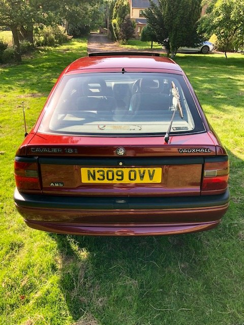 1995 Genuine low miles Vauxhall Cavalier future classic For Sale (picture 5 of 6)
