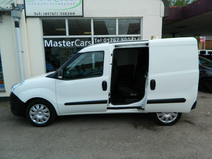 2014/64 Vauxhall Combo 1.3CDTi Crewvan 5 seat 2300 59250 mls For Sale (picture 2 of 6)