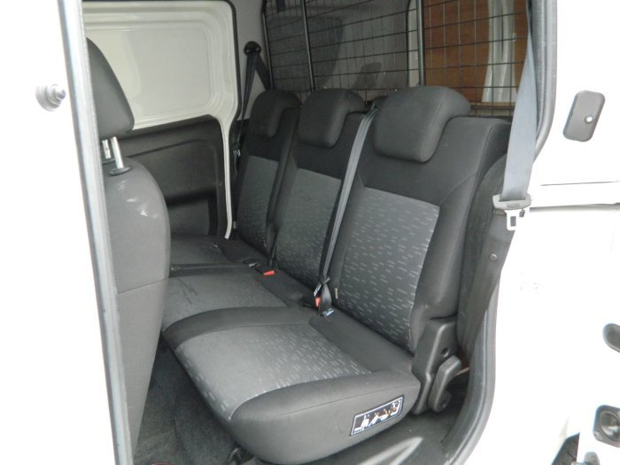 2014/64 Vauxhall Combo 1.3CDTi Crewvan 5 seat 2300 59250 mls For Sale (picture 6 of 6)