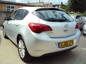 2010 Vauxhall Astra Exclusiv Mk6 - Ideal Family Car – New Shape