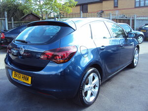 2010 Vauxhall Astra SRI – New Shape – LOW Miles with Service For Sale