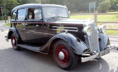 1935 Vauxhall DX 14/6 Saloon