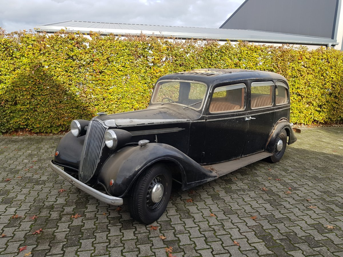 1938 Vauxhall 25hp Saloon For Sale (picture 1 of 5)