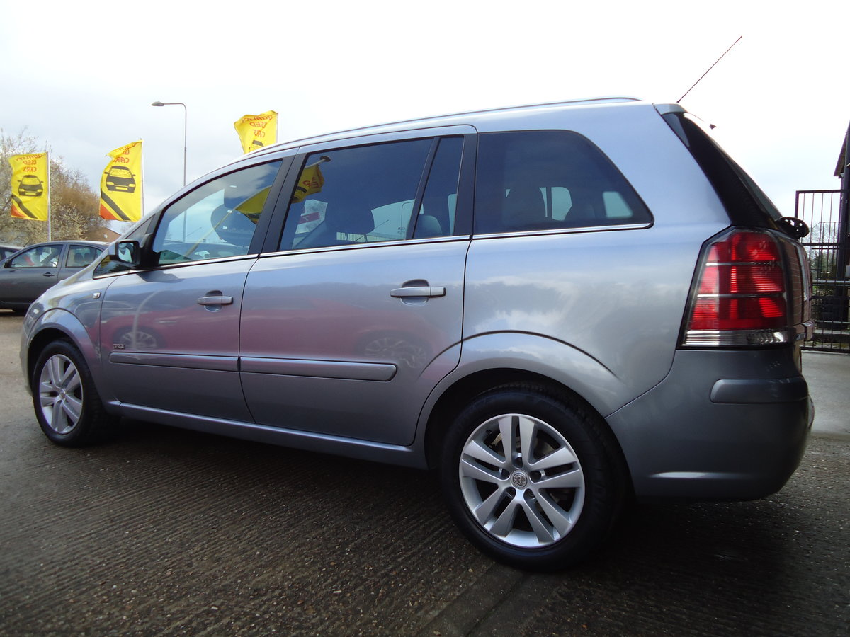 2007 ONE OWNER ZAFIRA / SEVEN SEATS / SENSIBLE MILEAGE For Sale (picture 2 of 6)