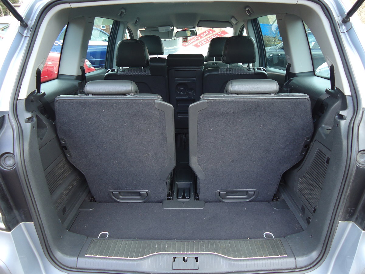 2007 ONE OWNER ZAFIRA / SEVEN SEATS / SENSIBLE MILEAGE For Sale (picture 4 of 6)