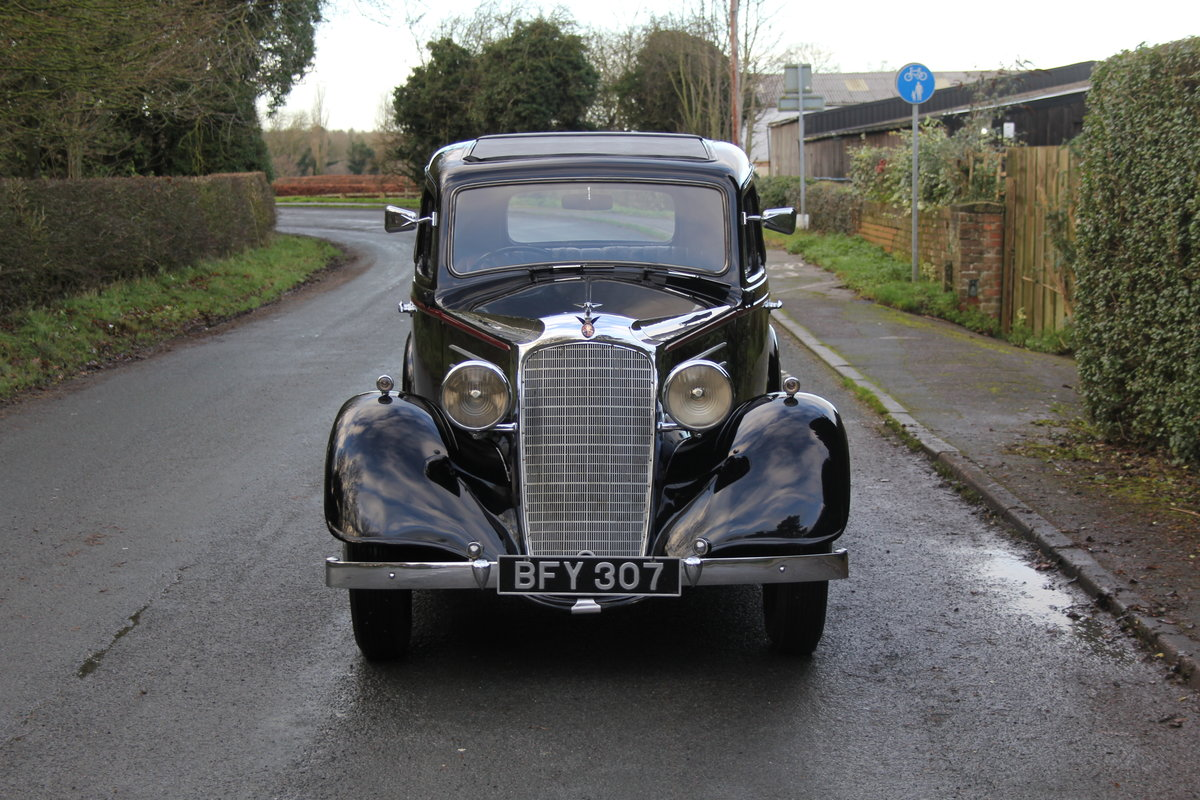 1935 Vauxhall Light Six Saloon De-Luxe 78k miles, superb history For Sale (picture 2 of 21)