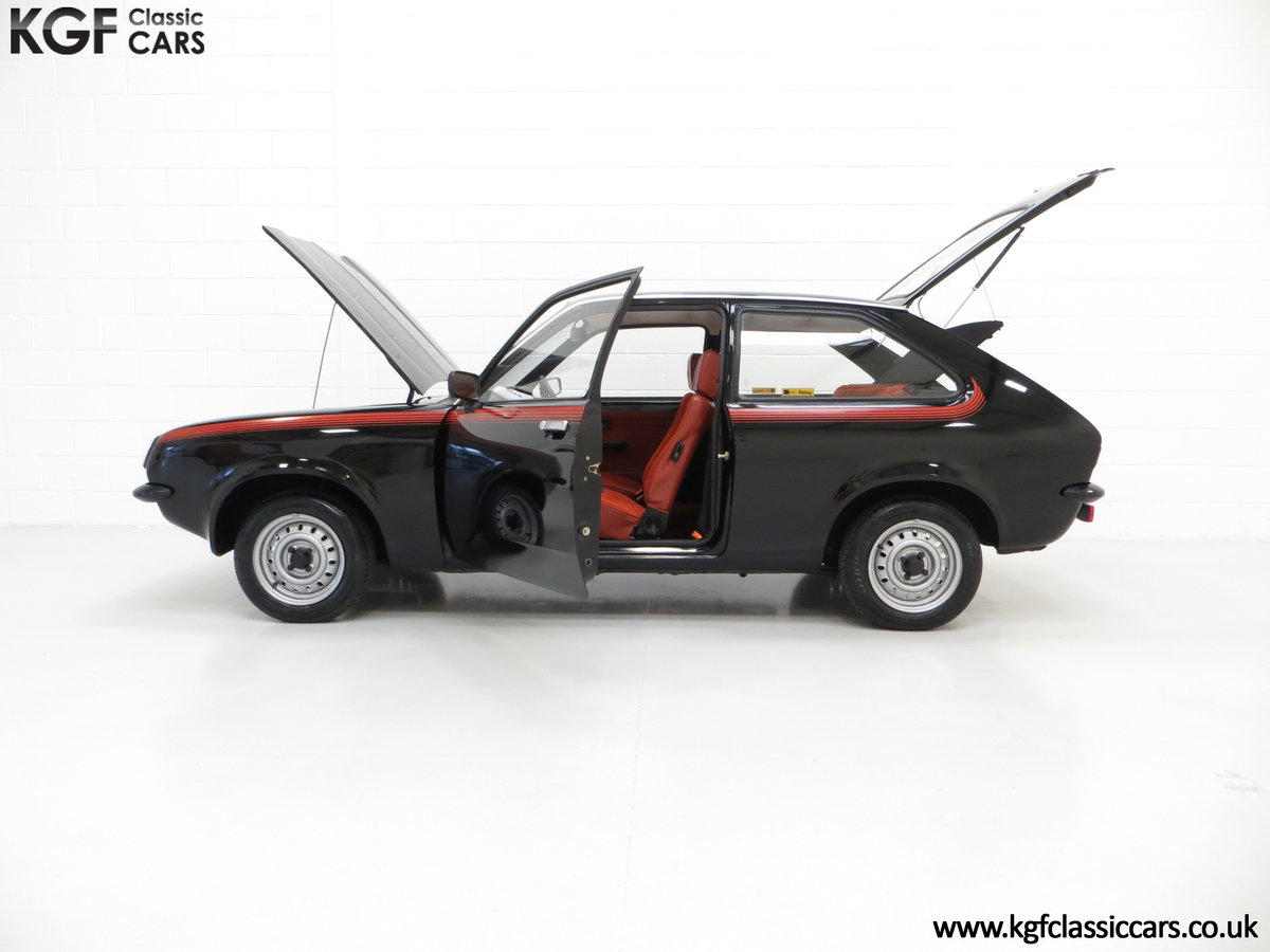 1982 A Limited-Edition Vauxhall Chevette Silhouette 11,967 MIles SOLD (picture 3 of 6)