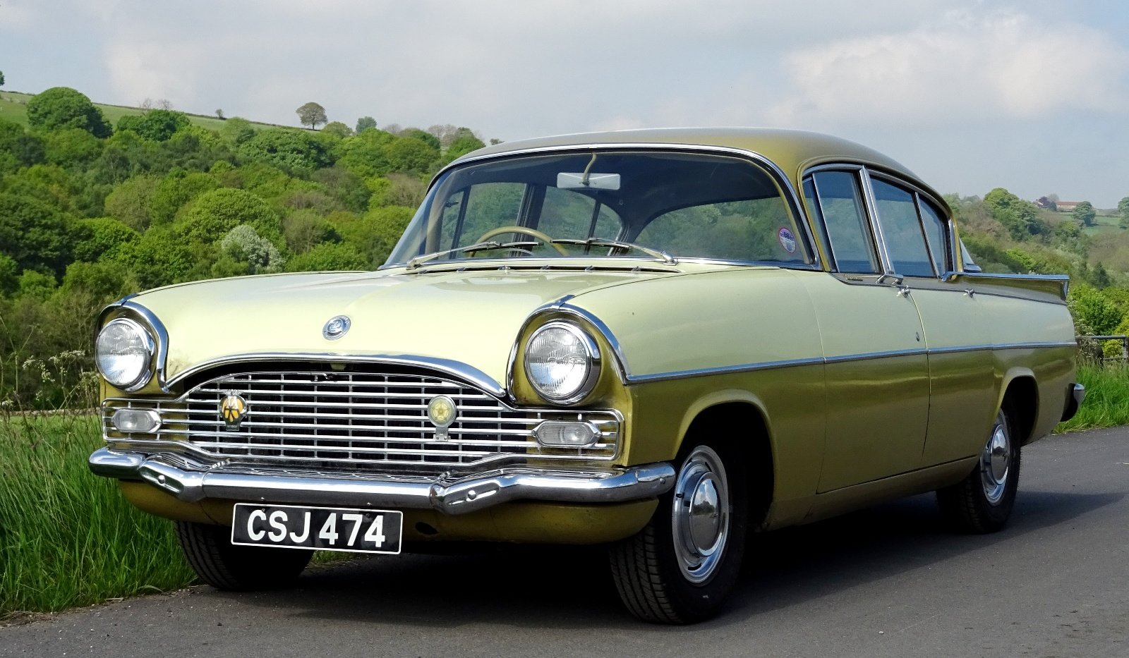 1961 VAUXHALL CRESTA STYLISH CLASSIC RARE COLOUR SCHEME AND SEATS For Sale (picture 2 of 6)