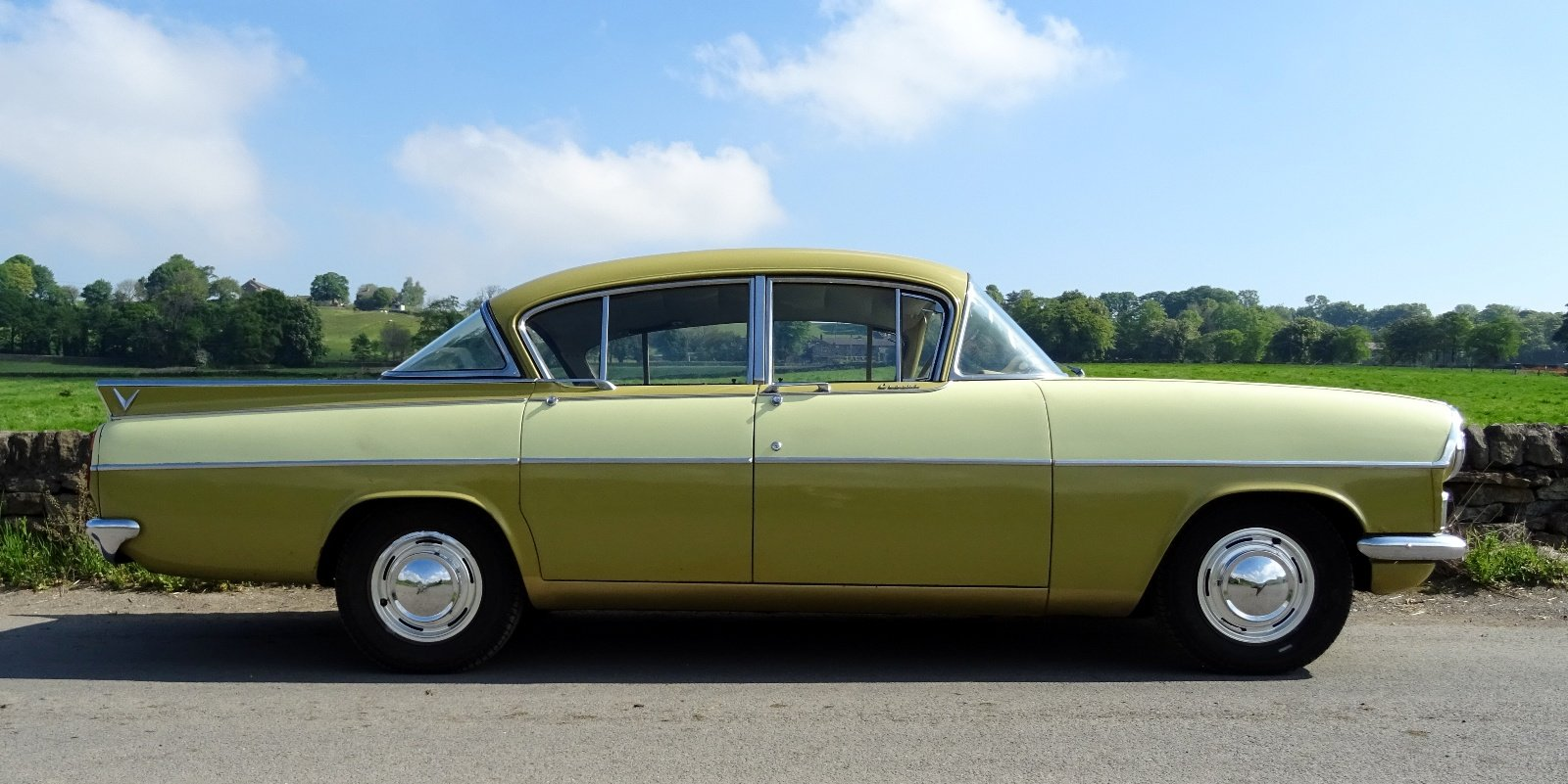 1961 VAUXHALL CRESTA STYLISH CLASSIC RARE COLOUR SCHEME AND SEATS For Sale (picture 4 of 6)
