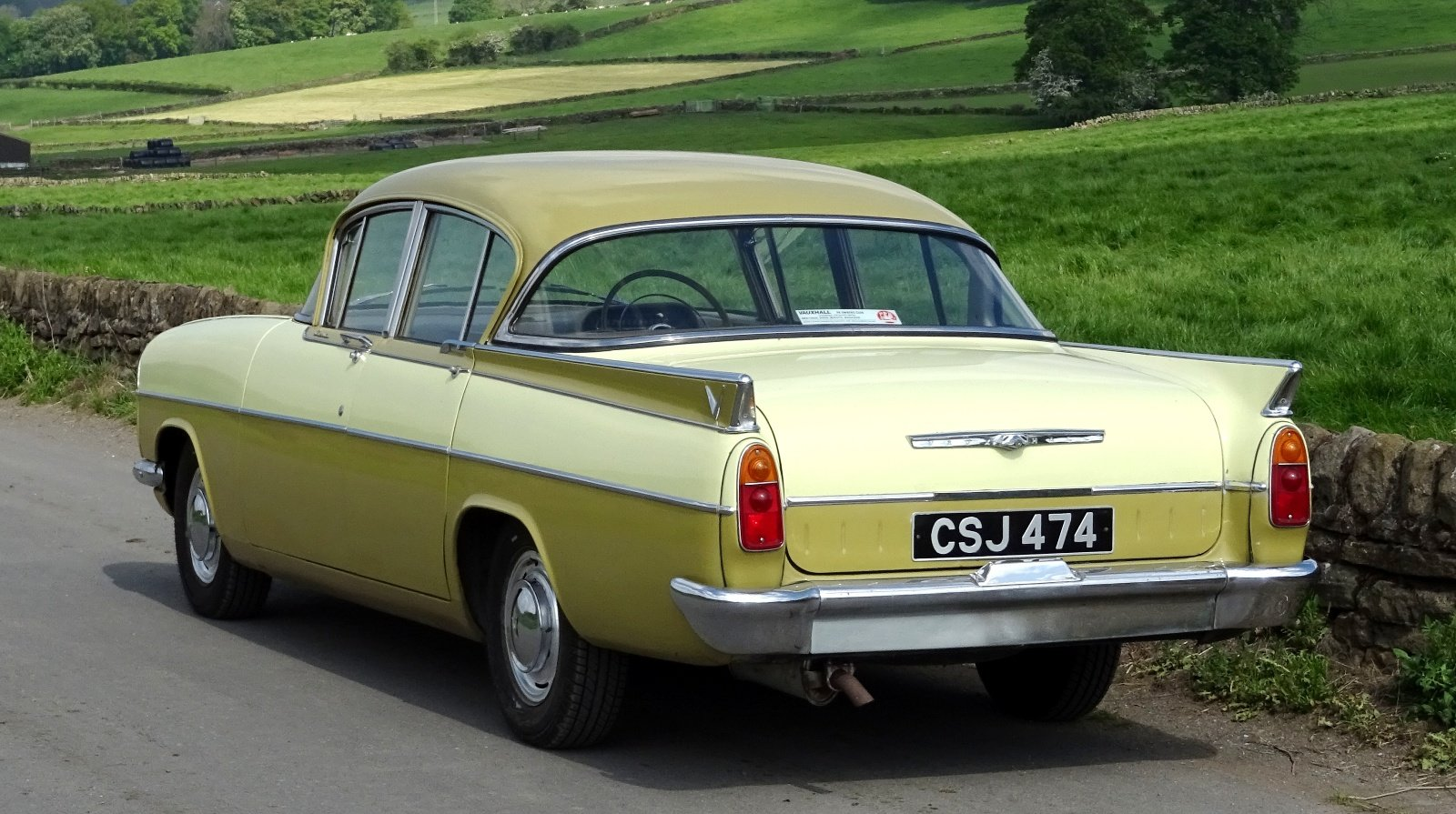 1961 VAUXHALL CRESTA STYLISH CLASSIC RARE COLOUR SCHEME AND SEATS For Sale (picture 5 of 6)