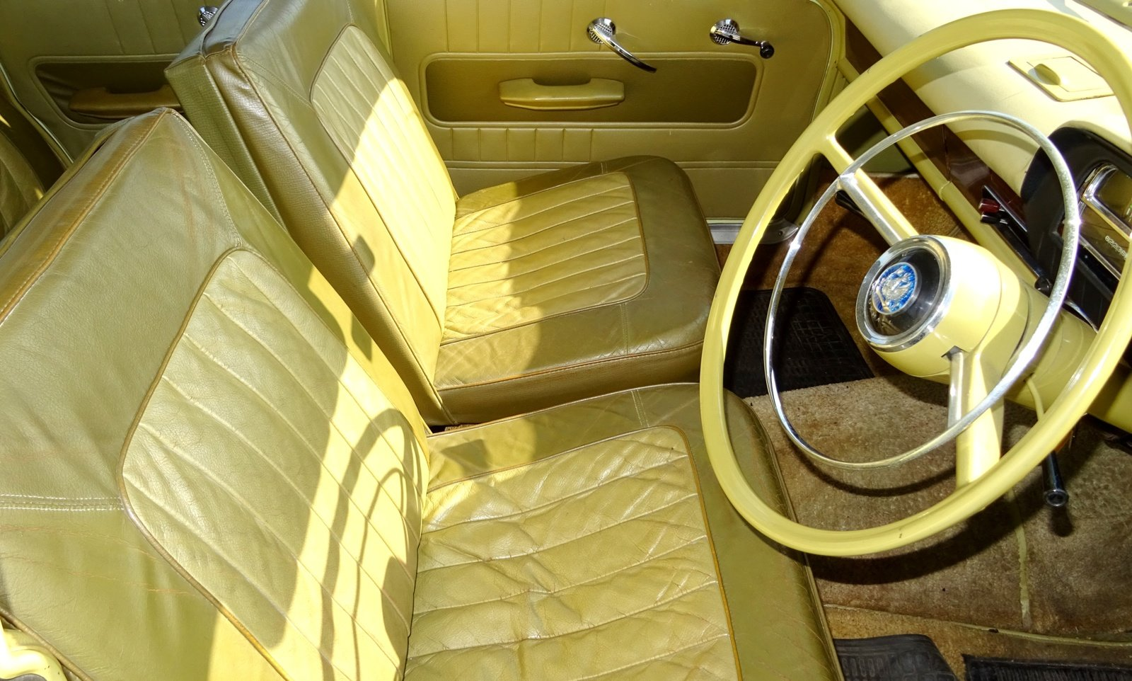 1961 VAUXHALL CRESTA STYLISH CLASSIC RARE COLOUR SCHEME AND SEATS For Sale (picture 6 of 6)